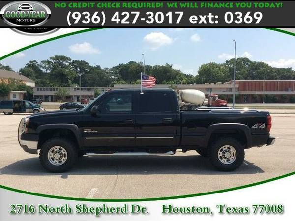 2005 *Chevrolet Silverado 2500HD* LT NO CREDIT CHECK REQUIRED!