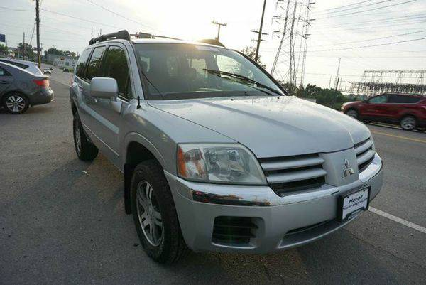 2004 *Mitsubishi* *Endeavor* XLS AWD 4dr SUV (2004.5) - CLEAN TITLE -