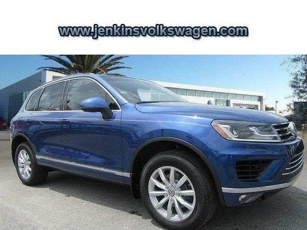 2016 *Volkswagen Touareg* Sport w/Technology - Blue