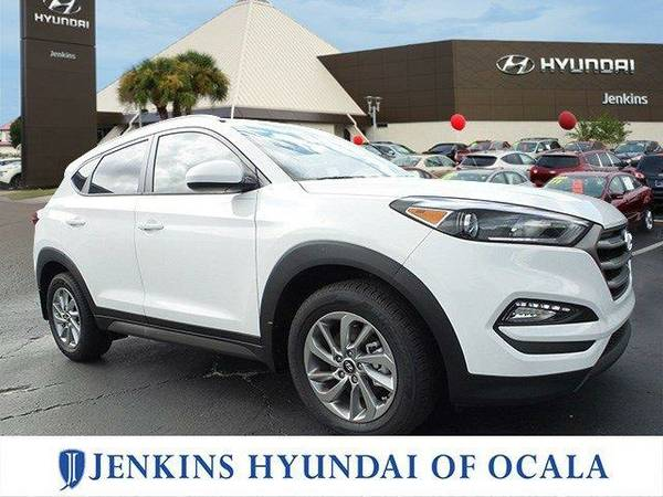 2016 *Hyundai Tucson* SE - DAZZLE WHITE