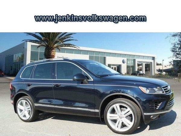 2016 *Volkswagen Touareg* Executive - Blue
