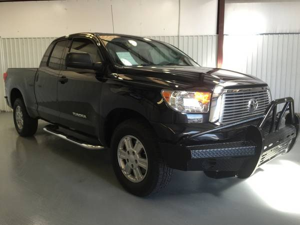 2011 TOYOTA TUNDRA**EX CAB**TINT**RUNNING BOARDS**RANCH BUMPER**V8!!