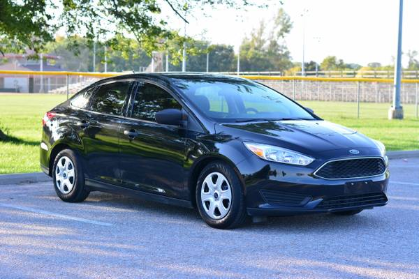 2015 Ford Focus ***Only 13k miles*** Free Warranty Included!