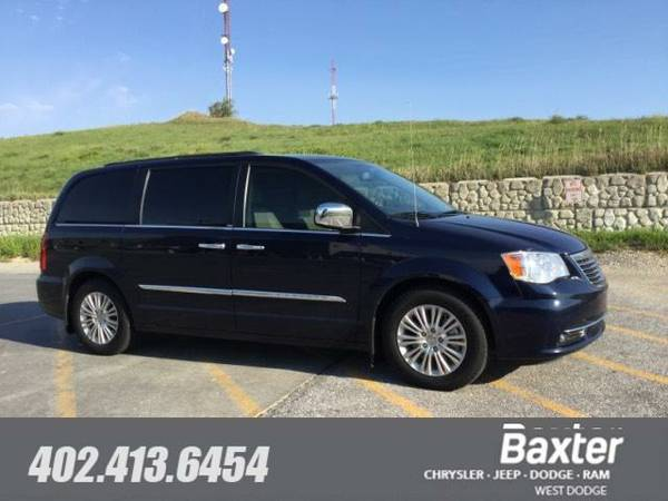 2012 Chrysler Town and Country Touring-L Van RTYR53