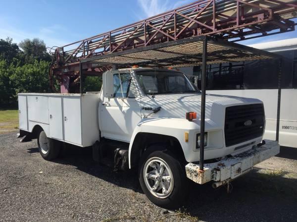 91 Ford F 600 Ladder Truck