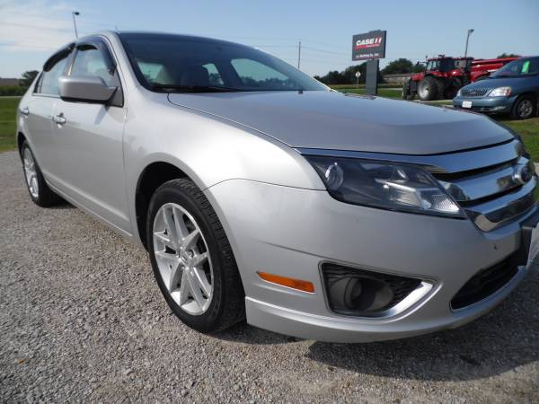 ** SHARP ** 2010 FORD FUSION SEL - ONE OWNER VEHICLE ** WOW **