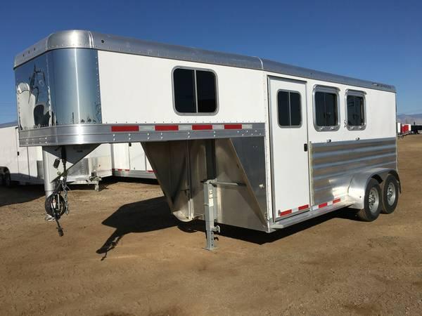 Gooseneck Two Horse Trailers, Featherlite 8533-672H