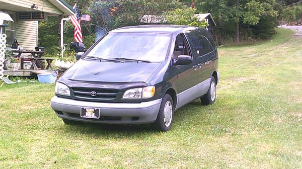 1999 Toyota Sienna Florida Vehicle