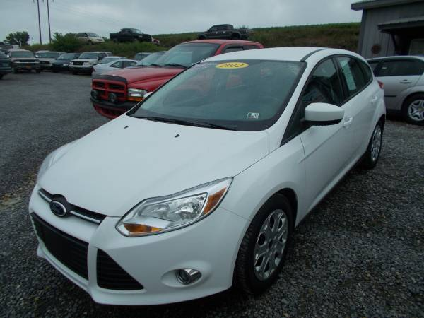 2012 FORD FOCUS SE ONLY 86,000 MILES RUNS GREAT TRADES WELCOME