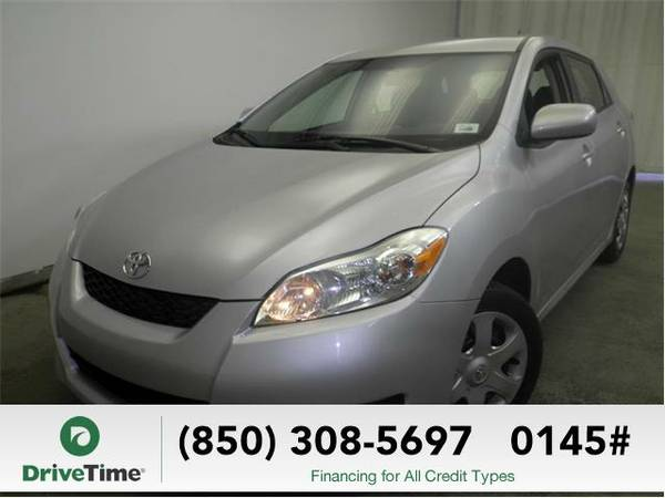 Beautiful 2009 *Toyota Matrix* Base (SILVER) - Clean Title