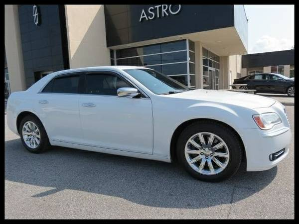 2013 Chrysler 300C White *Priced to Sell Now!!*