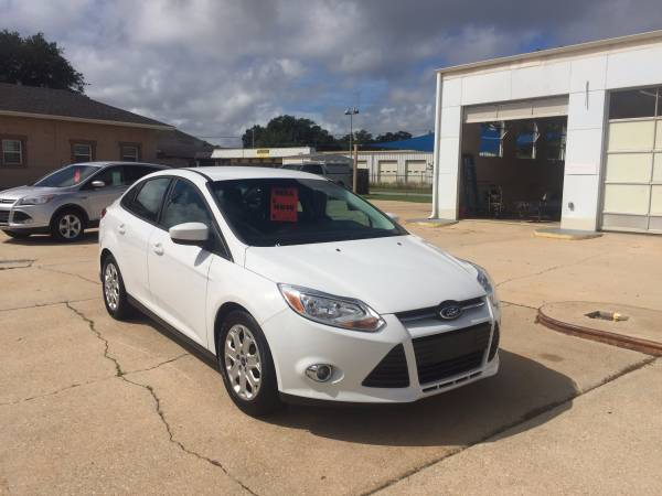 2012 Ford Focus White Low Miles! No Dealer Fees!