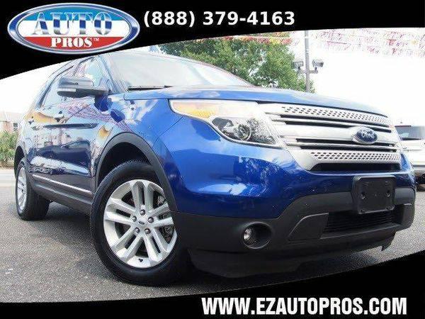2013 *Ford* *Explorer* XLT AWD 4dr SUV