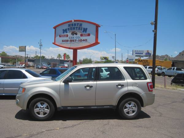 2011 Ford Escape XLS 2wd