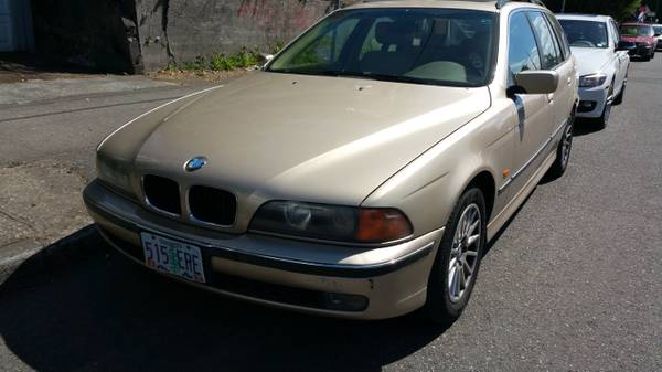 Gold BMW 528i wagon - Low miles - Clean tile - Runs Perfectly