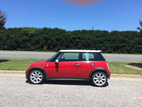 2004 Mini Cooper S, 6 Speed, Red and White