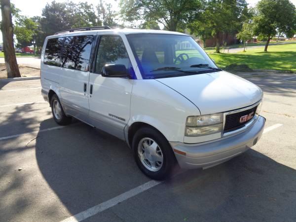 2000 GMC Safari van, AWD, auto, 6cyl. 184k, 3rd row EXLNT COND!