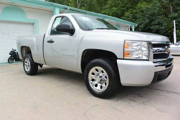 2011 *Chevrolet* *Silverado* *1500* Work Truck 4x2 2dr Regular Cab 6.5