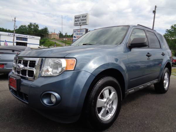 2011 Ford Escape XLT Dark Blue 4x4 One Owner Clean Carfax Very Nice