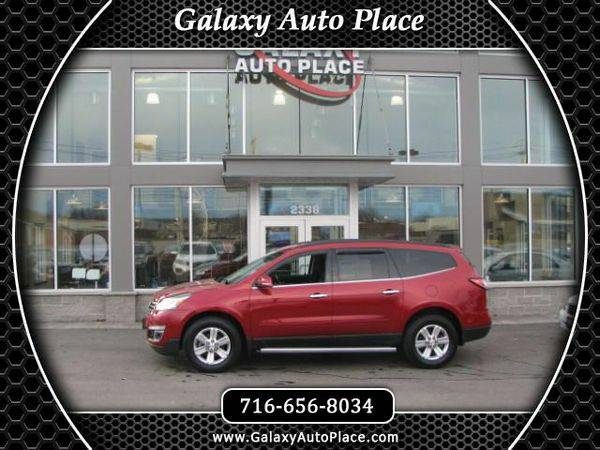 2014 *Chevrolet* *Traverse* LT AWD