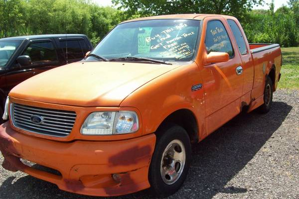 ***1997 Ford F-150 Ext Cab 2WD V-8 Automatic Transmission - Orange***