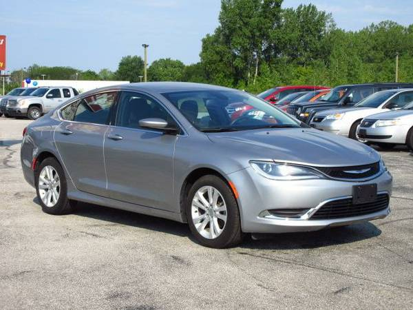 2015 Chrysler 200 66 **Awesome Online Price!**