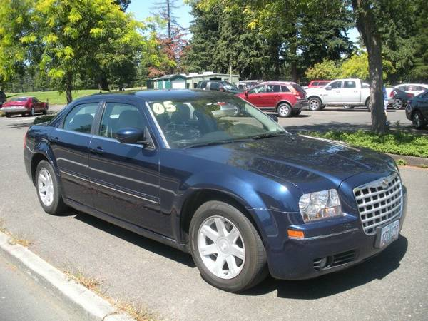 ***2005 Chrysler 300 *** $200 Down and a Job gets You a Car!