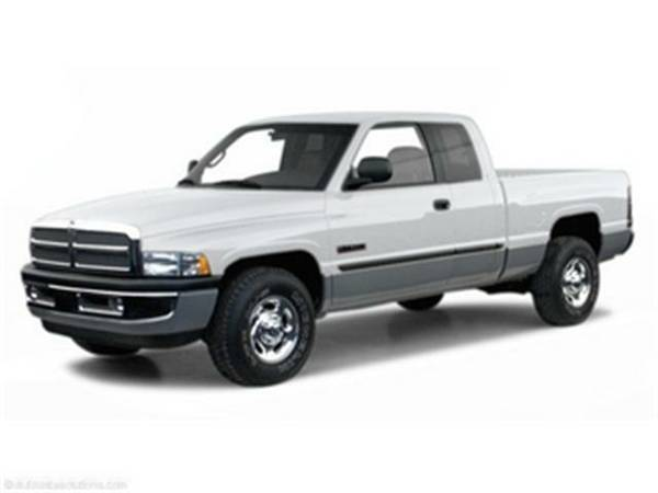 2001 *Dodge Ram 2500* (Bright White)