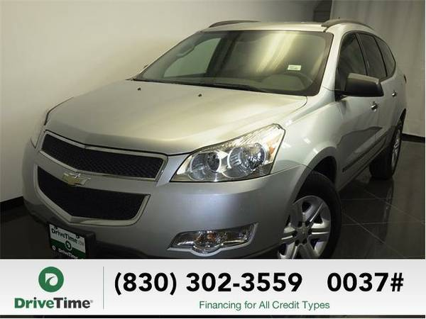 Beautiful 2011 *Chevrolet Traverse* LS (SILVER) - Clean Title