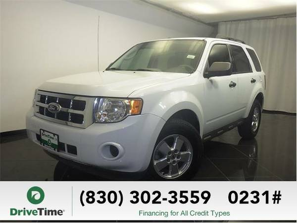 Beautiful 2010 *Ford Escape* XLS (WHITE) - Clean Title