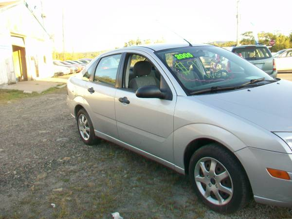 2005 FORD FOCUS SE ZX4 2.0L 5 SPEED INSP. NOV./2016 CD A/C LOOK $995.