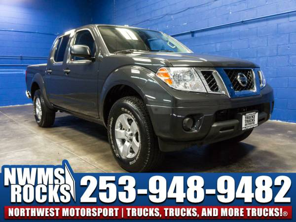 2013 *Nissan Frontier* SV 4x4 - Clean Carfax History! 2013 Nissan Fron