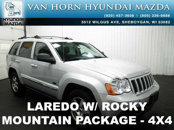 2009 *Jeep Grand Cherokee* Laredo 4X4 ROOF - Bright Silver Metallic...