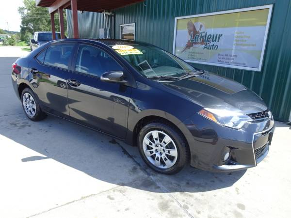 2015 TOYOTA COROLLA Low Miles, 1 Owner, Factory Warranty, Like New