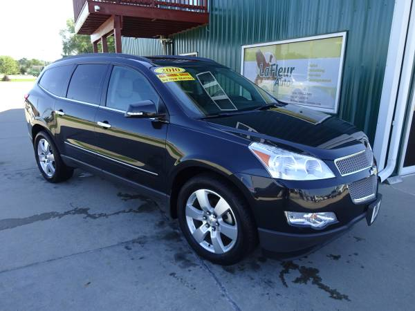 2010 CHEVROLET TRAVERSE Low Miles, LTZ, 3rd Row Seating.