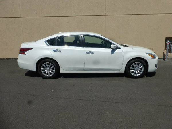 2015 Nissan Altima 4dr Car 2.5 S Must see vehicle