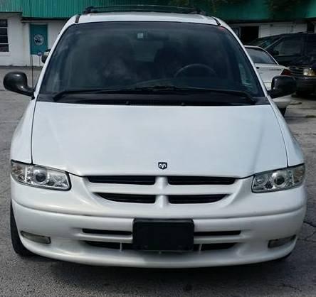 97 Dodge Caravan LE ~ White