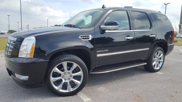 2011 CADILLAC ESCALADE LEATHER LOADED!!! SUPER CLEAN DONT MISS OUT!!!