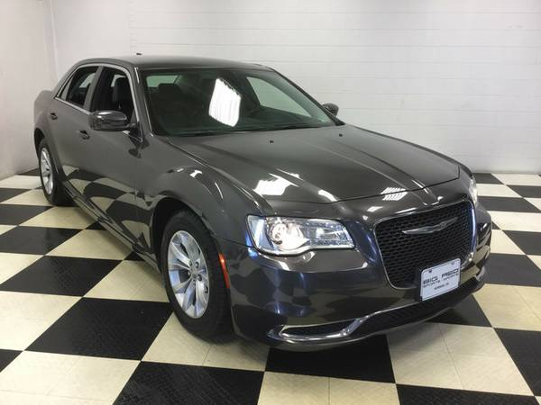 2015 CHRYSLER 300 LIMITED 34K MILES LOADED! GOTTA SEE!!