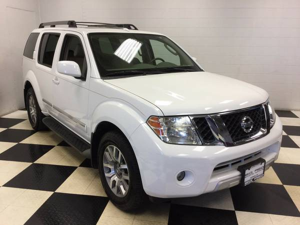 2011 NISSAN PATHFINDER LE LOADED THIRD ROW FAMILY HAULER!