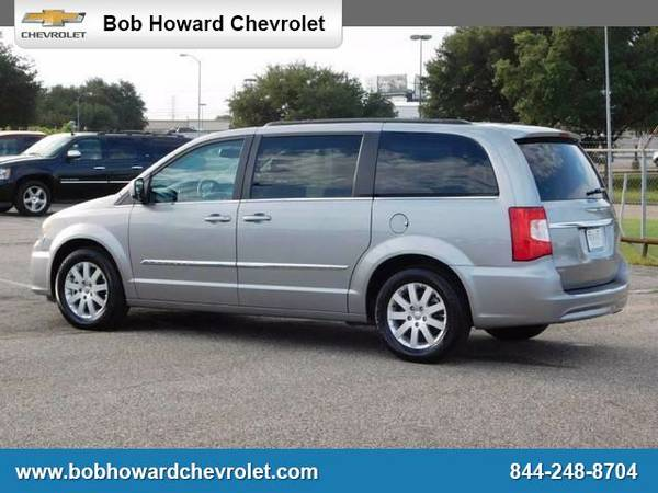 2016 Chrysler Town & Country - *GET TOP $$$ FOR YOUR TRADE*