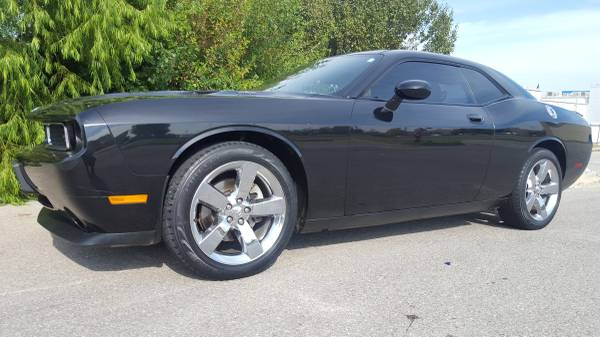 2010 DODGE CHALLENGER R/T!!! LEATHER LOADED WITH SUNROOF!!!