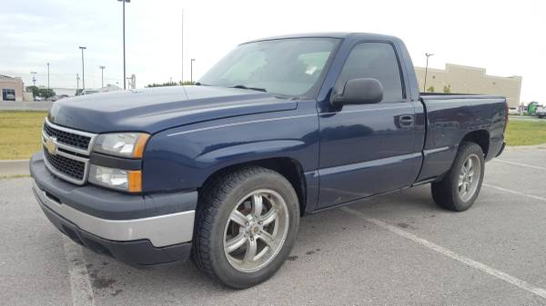 2007 CHEVROLET SILVERADO SINGLE CAB SHORT BED!!! LOW MILES!!!