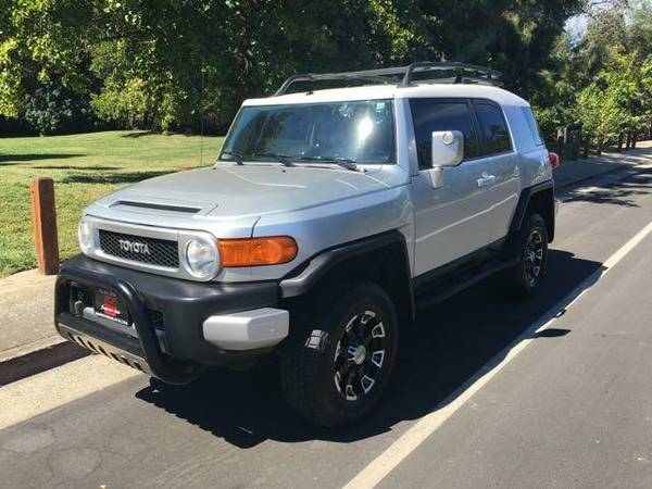 2007 Toyota FJ Cruiser 4WD***Lifted Fully Loaded***(Financing)