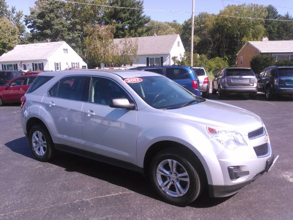 2011 CHEVY EQUINOX AWD! VERY SHARP SUV! YOUR APPROVED WITH US!