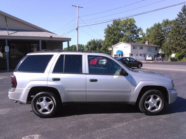 2008 CHEVY TRAILBLAZER 4X4 SUV! WE GUARANTEE YOUR APPROVED! LOW $ DOWN