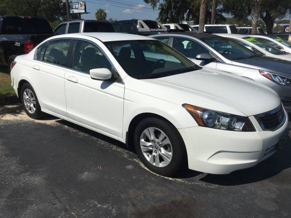 2010 HONDA ACCORD LX WITH ONLY 33K MILES !!!!!!!!!!!!!!!!!!