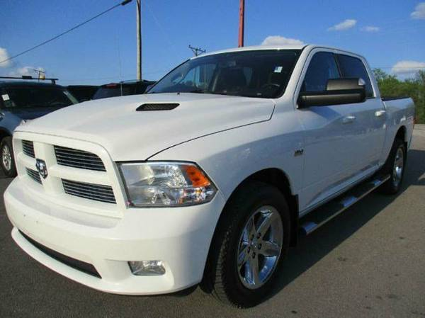 DODGE RAM CREW CAB 1500s LARAMIE BIG HORN 4X4 SEVERAL IN STOCK