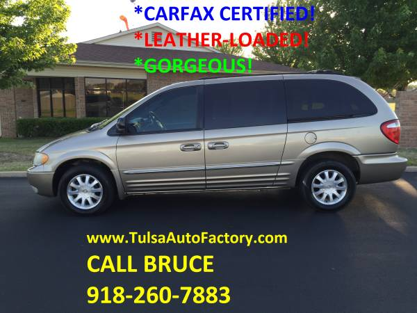 2003 Chrysler Town & Country Limited Silver *Carfax Certified**Loaded*