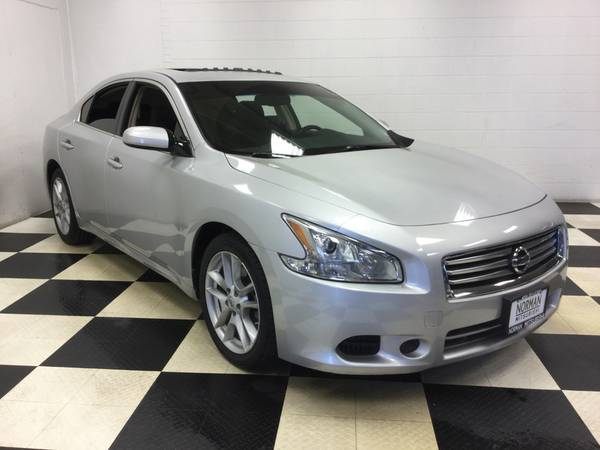 2014 NISSAN MAXIMA 2.5 V6 SUPER LOW MILES! MINT CONDITION! MUST SEE!